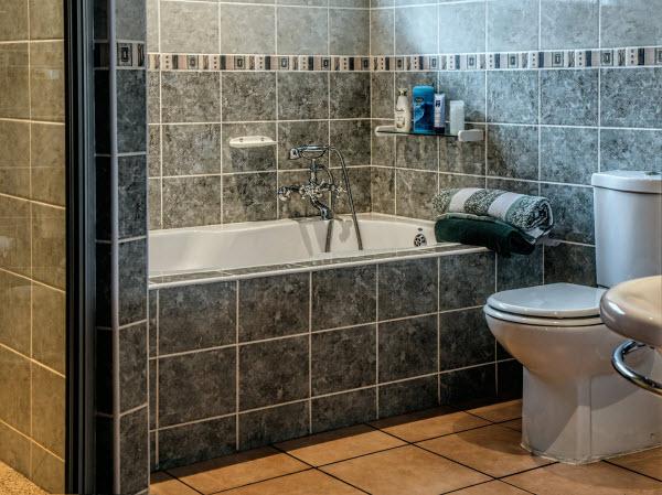 a hotle bathroom